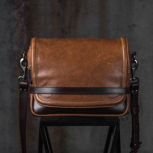 [WOTANCRAFT] RYKER LEATHER SHOULDER BAG - Brown, full leather