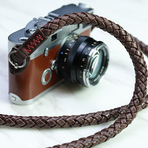 Barton1972 Leather Neck Strap Whip - Natural