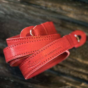 [Luigi's] Neck Strap Tazio (no Pad) Red