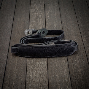 [Luigi's] Leather Neck Strap (with Pad) Black